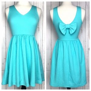 Everly Textured Fit & Flare Dress Bow Back Small